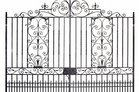 wrought-iron-gates-and-railings-detail
